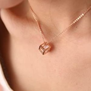 GOLD CRYSTAL CUBE PENDANT NECKLACE